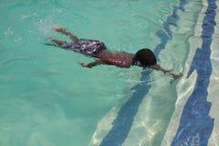 Nadada de la nadada del retroceso del retroceso Fotografía de archivo