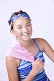 Nadador con la toalla sobre hombro Imágenes de archivo libres de regalías