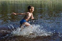 Nadador pequeno Imagem de Stock