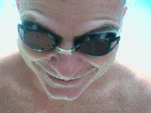 Nadador remojado Foto de archivo libre de regalías