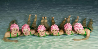 Nadadores sincronizados foto de stock