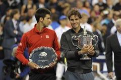 Nadal trofeum Djokovic przy us open 2013 (19) Obrazy Royalty Free