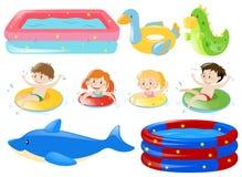 Nadar das crianças e outros equipamentos Foto de Stock