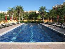 Nadar nos trópicos Imagens de Stock