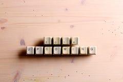 Nadchodzący nowy rok 2018 na komputerowych klawiaturowych kluczach zapina na wo Fotografia Stock