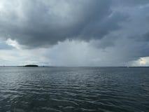 Nadchodzący rainshower fotografia royalty free