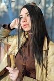 Nadenkend aardig brunette Stock Fotografie