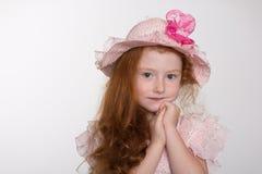Nadenkend meisje zes jaar Stock Afbeelding