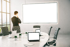 Nadenkende Zakenman In Conference Room Stock Fotografie