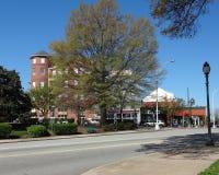 Naderbij komend Oud Greensboro, Noord-Carolina Stock Foto's