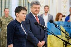 Ήρωας της Ουκρανίας Nadiya Savchenko μετά από την απελευθέρωση από το ρωσικό π Στοκ Εικόνα