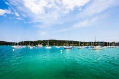Nadjeziorni wakacje Wielki jeziorny Klagenfurt am Wörthersee obraz royalty free
