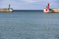 Nadmorski z czerwieni i zieleni latarniami morskimi Zdjęcia Stock