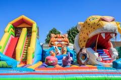 Nadmuchiwany trampoline zabawiać dzieci Bulgaria Varna 16 05 2018 Zdjęcia Royalty Free