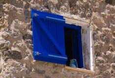 Nadokienna i kamienna ściana na Hiszpańskim budynku Obraz Royalty Free