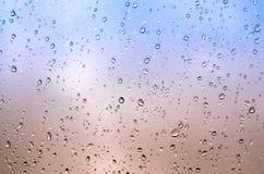 nadokienni szklani raindrops Abstrakt zamazana tekstura Makro- obrazy royalty free