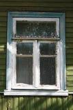 Nadokienny stary drewniany dom zdjęcia royalty free