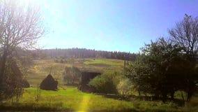 Nadokienny widok od samochodu, autobus, pociąg Podróżny słoneczny dzień zbiory wideo