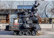Nadrealistyczny metalu robot Głęboki Ellum i pojazd, Dallas, Teksas Obrazy Royalty Free