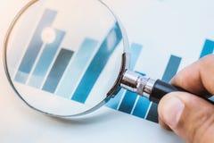 Nadruk op bedrijfsfinancieel verslag stock foto