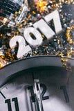 2017 Nadruk op Klok Nieuwe Year& x27; s Eve Grunge Background Royalty-vrije Stock Foto's