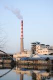 Nadrzeczna fabryka Fotografia Stock
