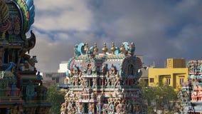 nadu meenakshi лорда madurai Индии преданного gopura индусское один другой висок Тамильского языка скульптур южный sundareswarar, акции видеоматериалы