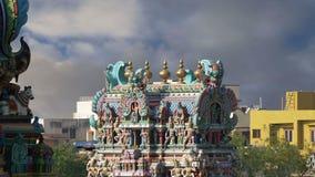 nadu meenakshi лорда madurai Индии преданного gopura индусское один другой висок Тамильского языка скульптур южный sundareswarar, сток-видео