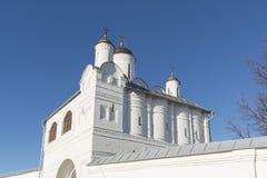 Nadvratnaya教会在16世纪建造的Pokrovsky女修道院在苏兹达尔 俄罗斯旅行金黄圆环  图库摄影