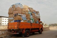 Nadwaga przewozi samochodem w Egipt zdjęcia royalty free