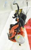 Nadya Gallyamova (Rusia) en el campeonato del mundo del hielo de UIAA que sube de la tarifa 2015 de Saas Fotos de archivo