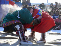 NADYM,俄罗斯- 2008年3月15日:国庆节-稀土的天 库存图片