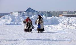 Nadym, Россия - 17-ое марта 2006: национальный праздник, день o Стоковые Фотографии RF