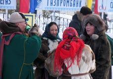 Nadym, Россия - 17-ое марта 2006: национальный праздник, день o Стоковое Фото