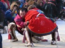 NADYM, РОССИЯ - 11-ое марта 2005: Национальный праздник - день re Стоковые Изображения