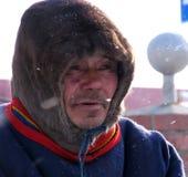 Nadym, Россия - 11-ое марта 2005: Неизвестный конец-вверх Nenets человека, por Стоковое Фото