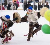 Nadym, Rusland - Maart 3, 2007: de nationale feestdag, de dag van Stock Afbeeldingen