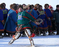 Nadym Ryssland - mars 15, 2008: den nationella ferien - dagnollan Arkivfoton