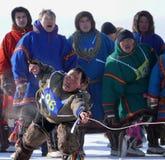 Nadym Ryssland - mars 15, 2008: den nationella ferien - dagnollan Arkivbild
