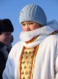 Nadym Ryssland - mars 2, 2007: Okänd kvinna - Nenets kvinna, clo Royaltyfria Bilder