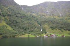 Naeroy-Fjord Lizenzfreie Stockfotos