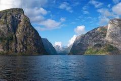 Naeroyfjord in Norvegia (patrimonio mondiale dell'Unesco) Fotografie Stock