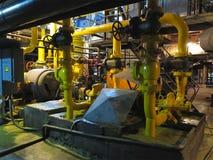 Nafciana pompa, kolor żółty drymby, tubki, maszyneria przy elektrownią Obraz Stock