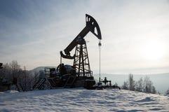 nafciana przemysł pompa Russia Przemysł paliwowy equipment Takielunek dla ekstrakcja oleju Obrazy Stock