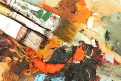 Nafciane farby i farb muśnięcia Fotografia Royalty Free