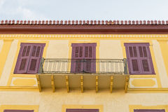 Nafplio, Grèce le 28 décembre 2015 Beau balcon coloré chez Nafplio en Grèce Photos stock