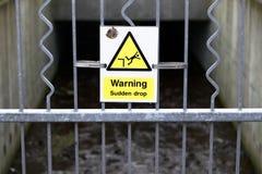 Nagły opadowy znak ostrzegawczy obrazy stock