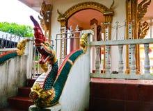 Naga drabinowa rzeźba w Lao świątyni Obrazy Stock