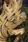 Naga - porte de Wat Karan - Chiang Mai - Thaïlande Photo libre de droits