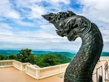 Naga statua przy Wata Pa Phu Kon, Udon Thani Tajlandia Obraz Royalty Free